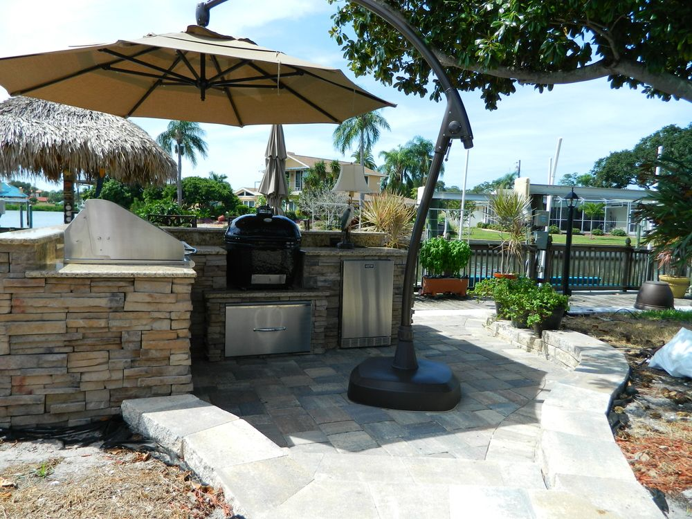 Outdoor Kitchens With Umbrella Shading In 2020 Outdoor Living Design Outdoor Outdoor Living