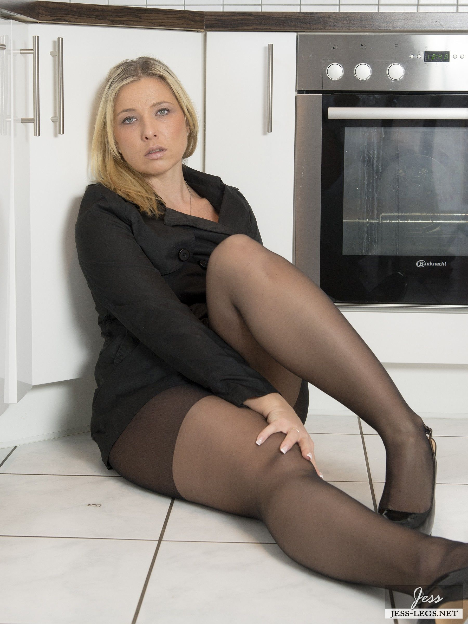 Amateur mom nude kitchen