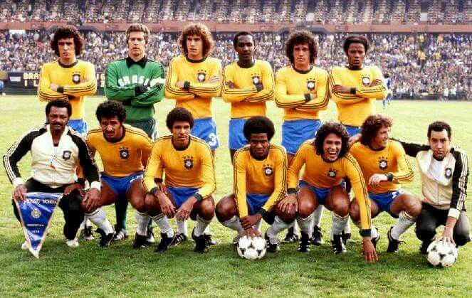 Brasil 1978 Nelinho Leão óscar Edinho Batista E Neto Gil Toninho Cerezo Mendonça Robe Seleção Brasileira Seleção Brasileira De Futebol Toninho Cerezo