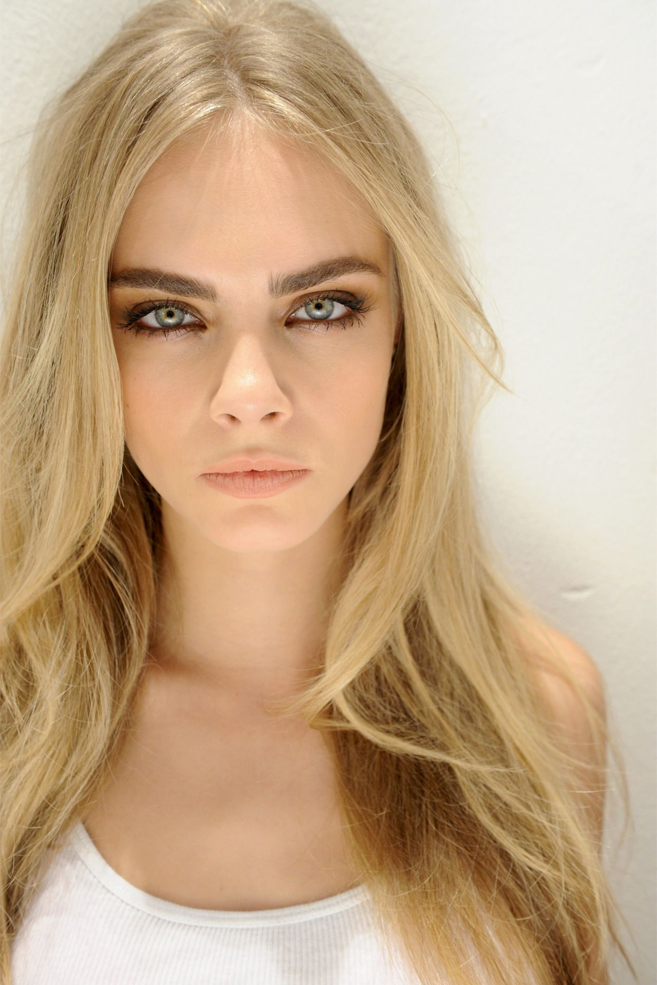 Ash blonde is the perfect eyebrow color for light to