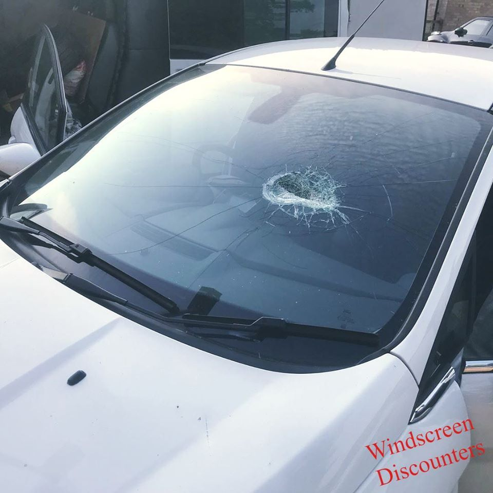 There S No Reason To Delay Getting Your Windscreen Repaired Or Replaced You Can Count On Us At Windscreen Discounte Wind Screen Windshield Repair Glass Repair