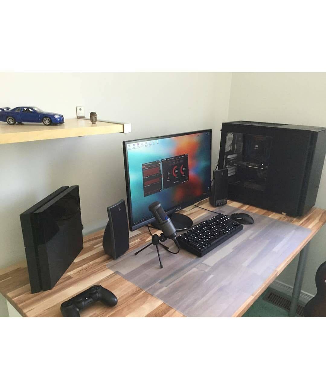 Here S A Sleek Setup Found From Bestgamingsetupz Besides The Cool Accessories Home Office Setup Computer Desk Setup Gaming Room Setup