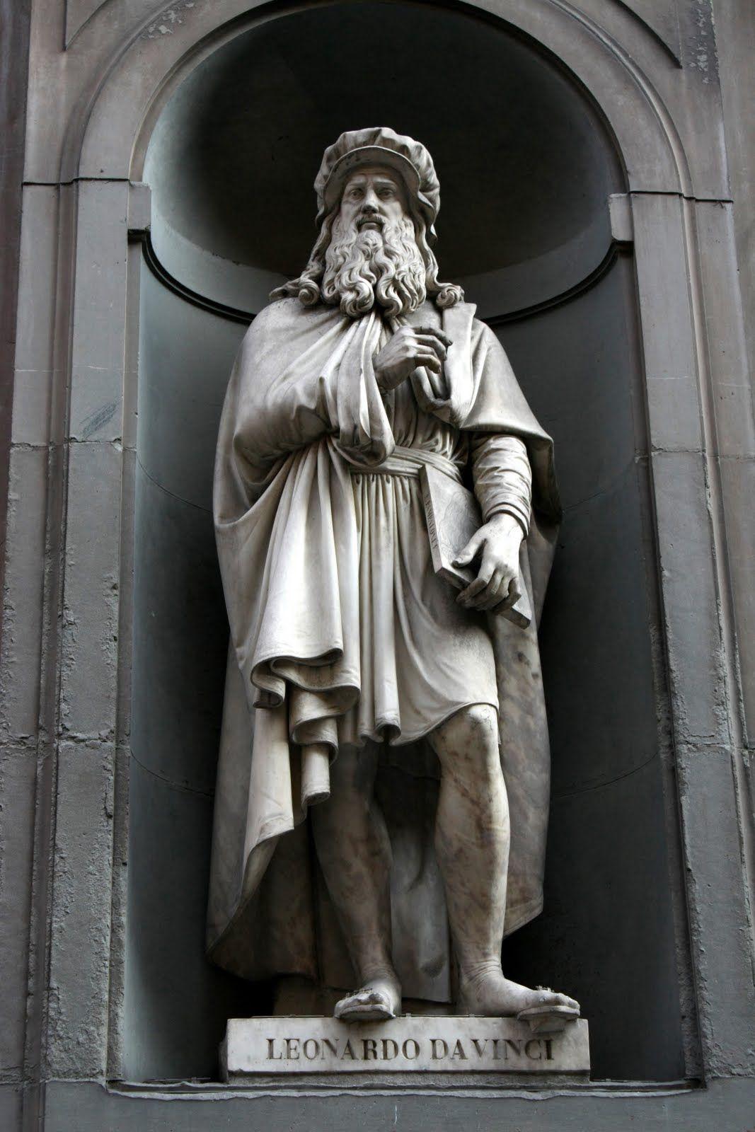 Sculpture De Léonard De Vinci Dans La Galerie Des Offices Statue Uffizi Gallery Leonardo Da Vinci