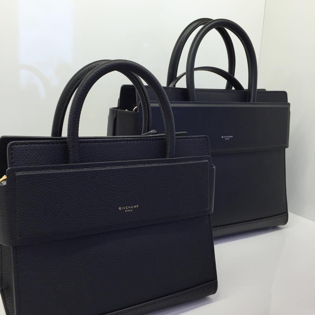 679e044e1485 A Closer Look  Givenchy Horizon Bag