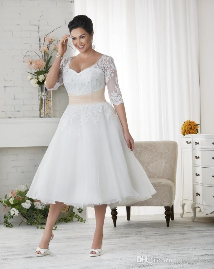 9e79d3927cc6 Elegant Plus Size Wedding Dresses A-line Short Tea Length Lace Applique Bridal  Gowns with Seeves SN164