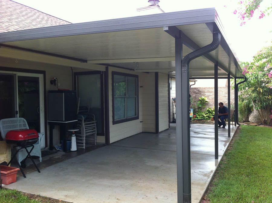 aluminum patio cover with fan beams in