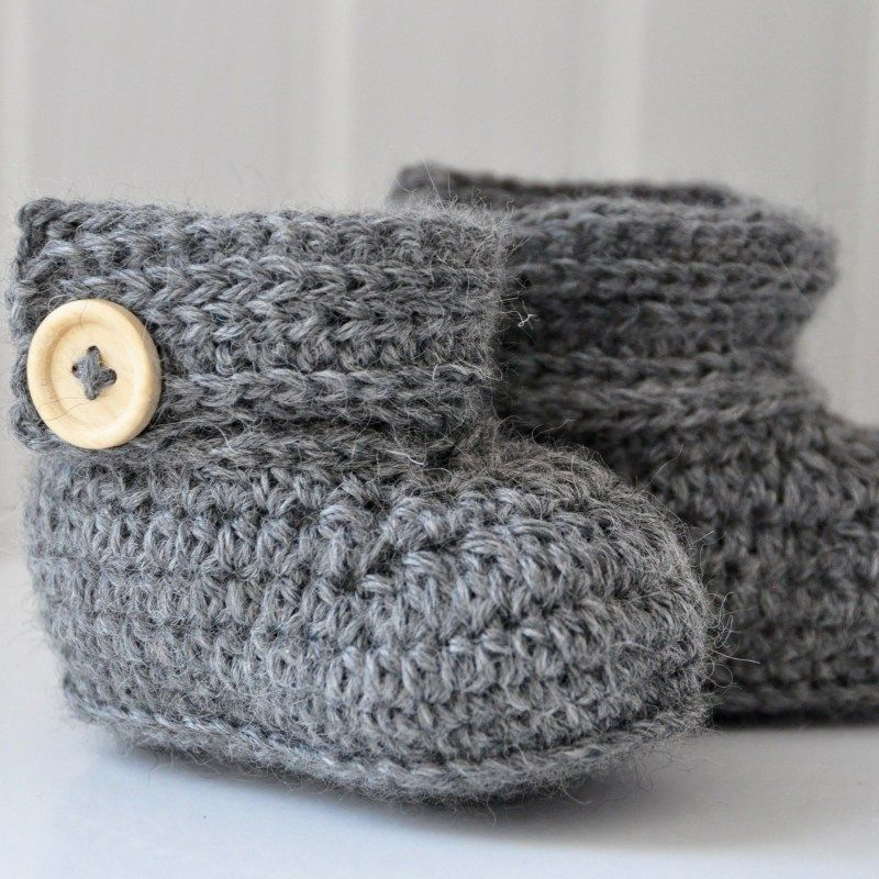 The Wrap Around Baby Boots – Free Crochet Pattern #crochetbabyboots
