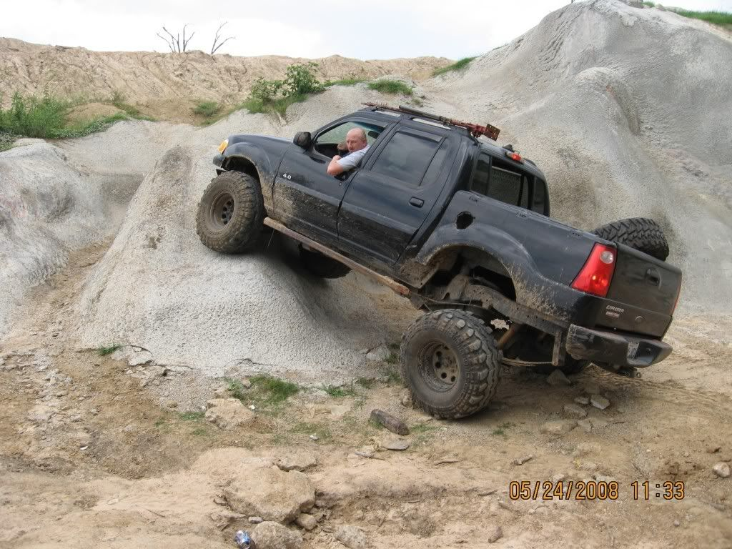 Lifted sport trac lived in oregon it s an 05 explorer sport trac 4x4 with a 3 lift lifted trucks pinterest sport trac 4x4 and ford sport