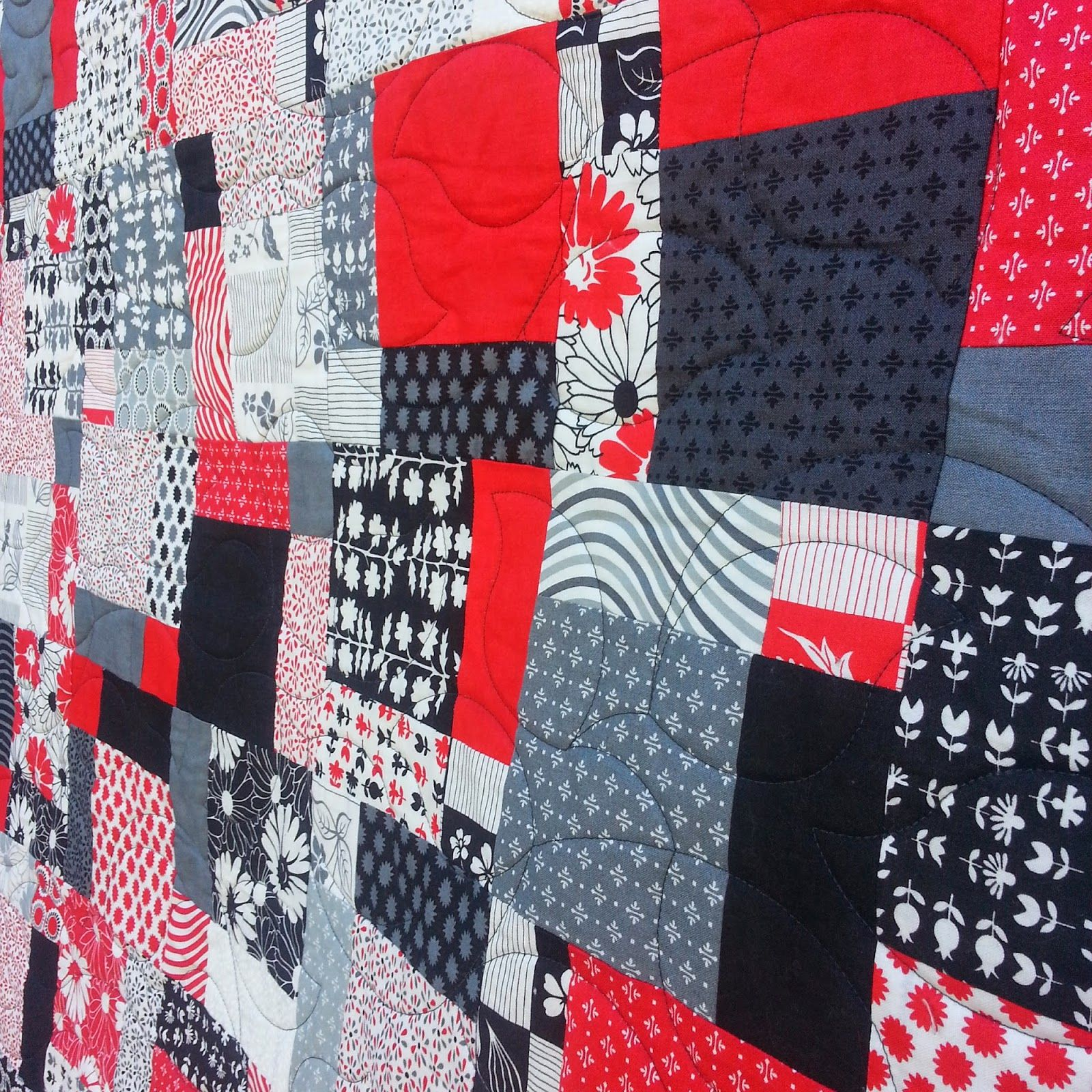 Darvanalee Designs Long Arm Quilting and More Black white and red Quilt 60
