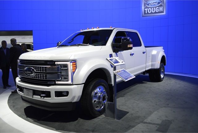 of 2017 Ford Super Duty F 450 Platinum by Thi Dao