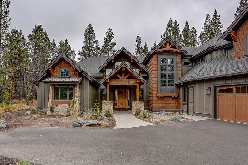 Craftsman Style House Plan 4 Beds 5 5 Baths 4412 Sq Ft