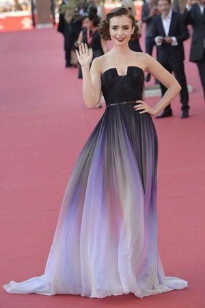 カラフルシフォンがエレガントなリリー・コリンズのドレス♡海外セレブ風パーティーの