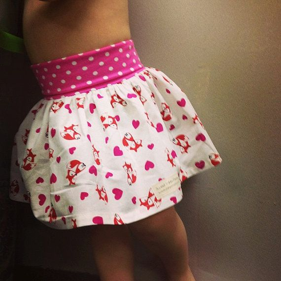 Valentine fox and hearts skirt,  Girls foxy skirt, Little girls skirt, toddler Valentine skirt, Birthday skirt,Valentines day outfit.