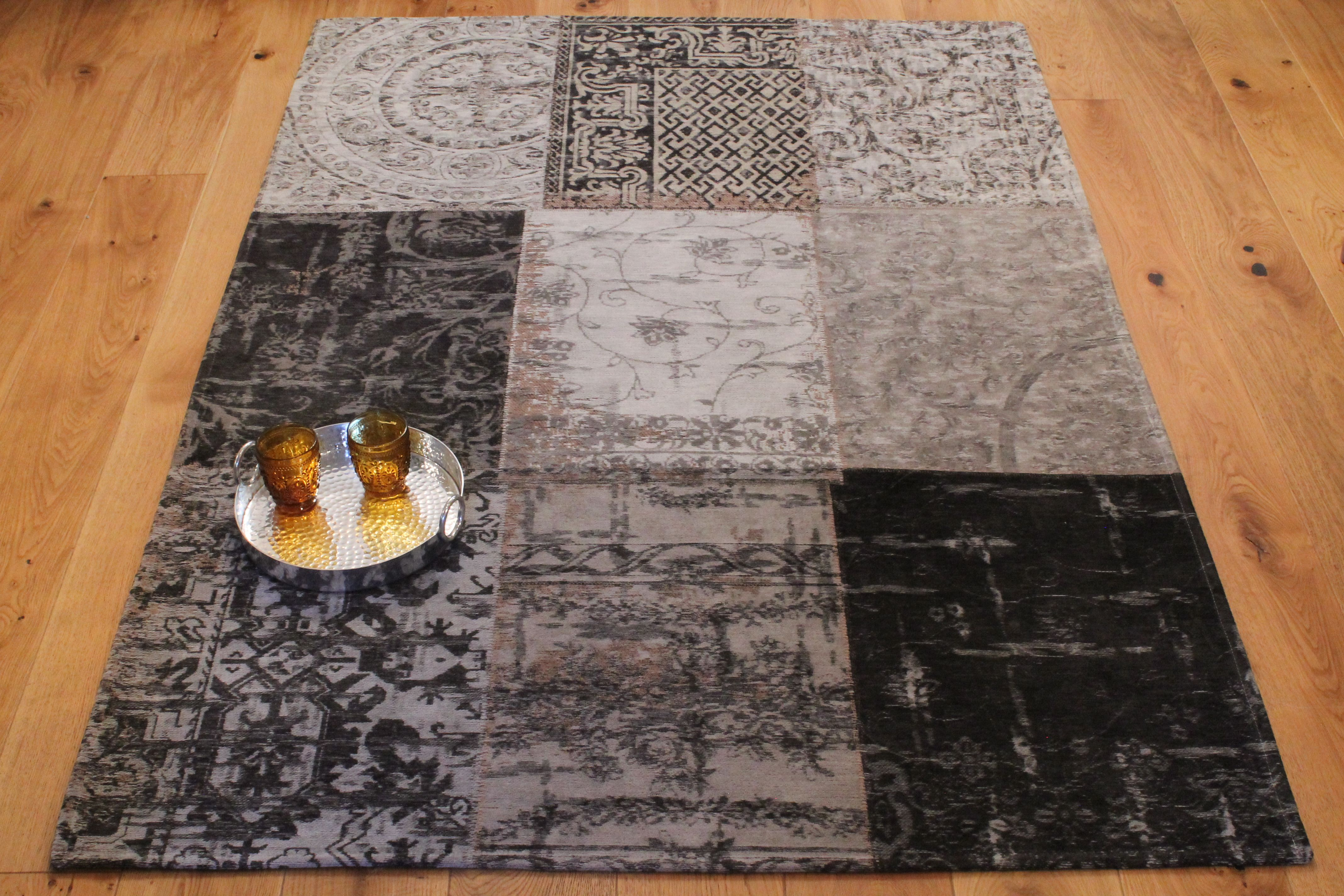Vintage Collection Black and White Belgian Rug