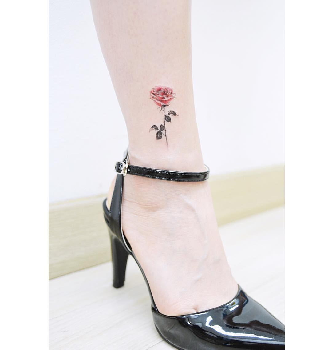 : Sexy Rose  for dancer . . #tattooistbanul #tattoo #tattooing #rose #rosetattoo #flower #flowertattoo #colortattoo #tattoosupplybell #tattoomagazine #tattooartist #tattoostagram #tattooart #tattooinkspiration #타투이스트바늘 #타투 #꽃  #꽃타투 #컬러타투 #장미
