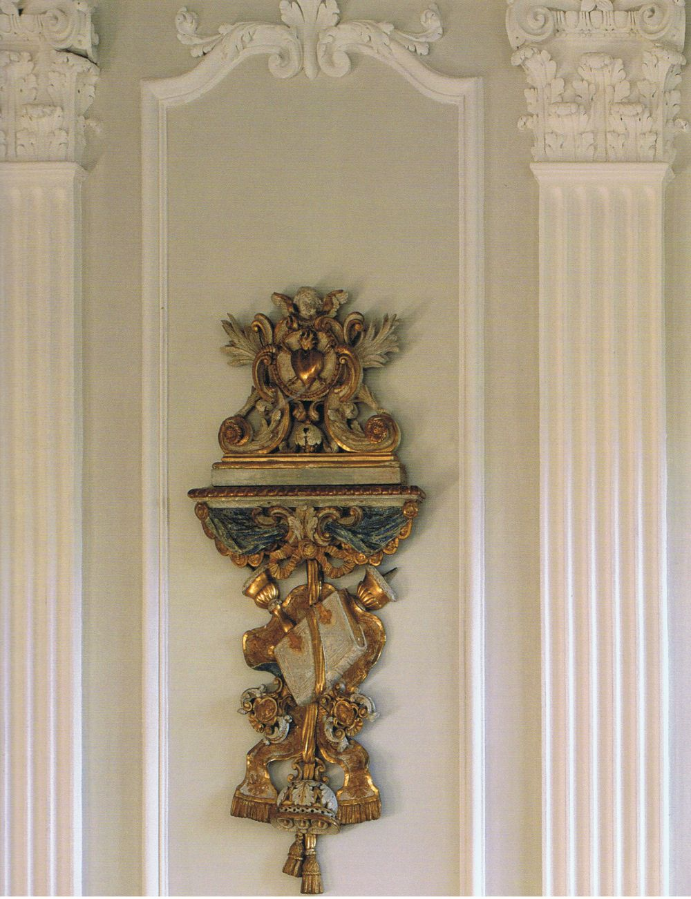 Paper Illusions the Art of Isabelle de Borchgrave Carved, gilded, a touch of blue and old white…