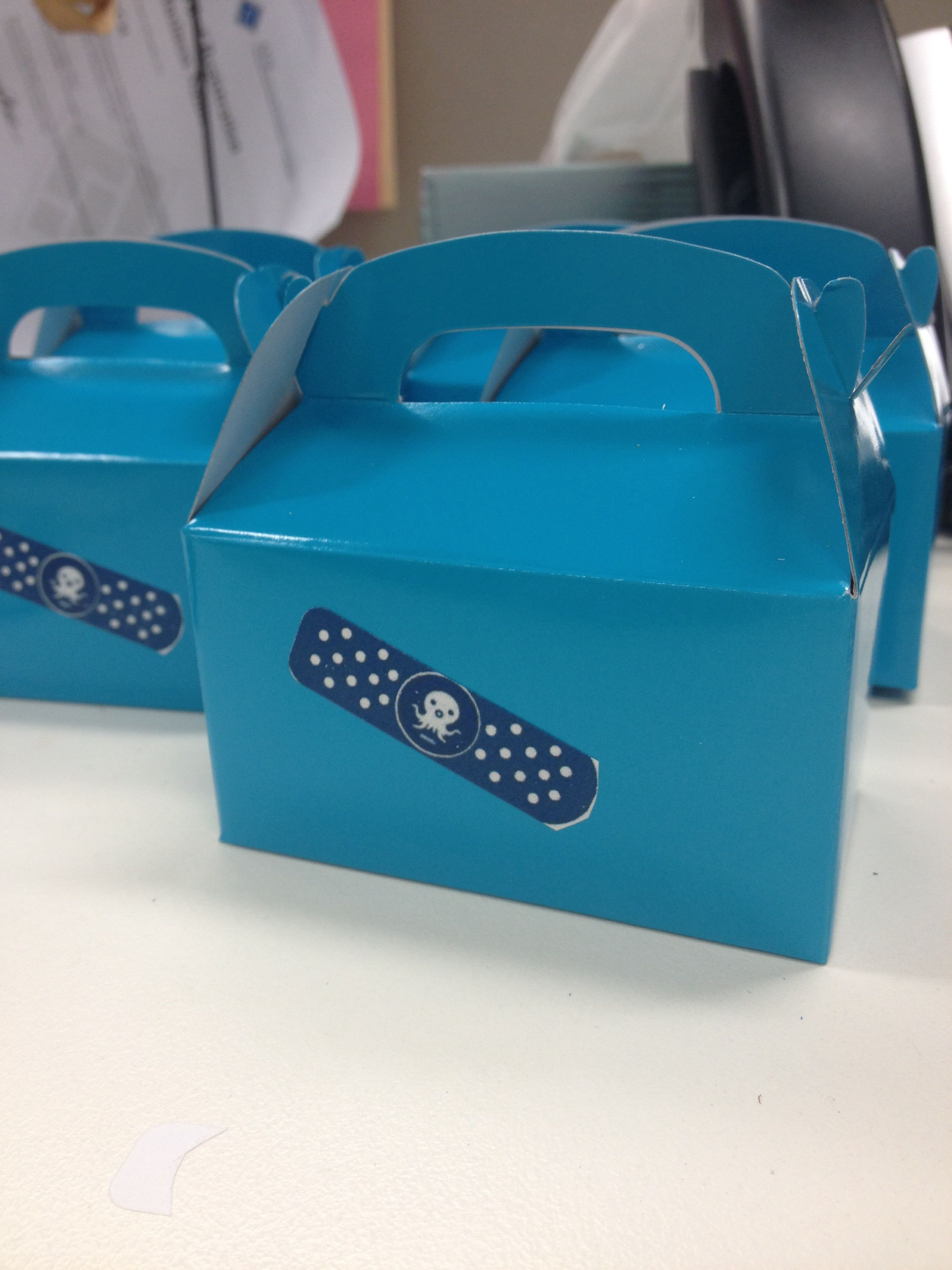 Octonauts treat boxes for Imogen s birthday party They re not white