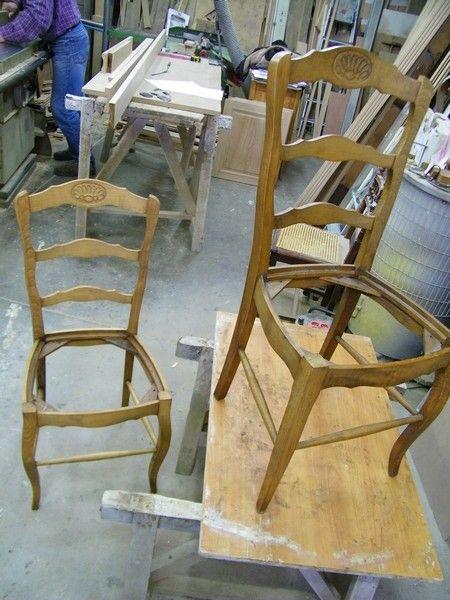 des chaises anciennes qui vont ªtre relookées et une histoire de