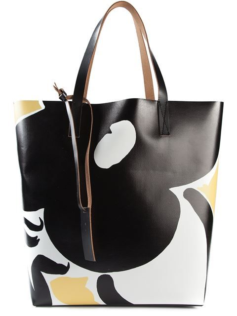 97e3ebe1743d Shop Marni printed shopper tote in O  from the world s best independent  boutiques at farfetch.com. Over 1000 designers from 300 boutiques in one  website.