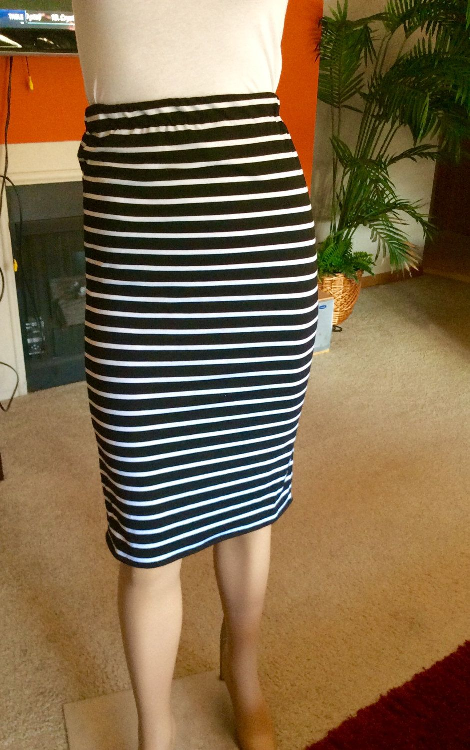 STRIPE FORM FITTING Pencil Skirt. Great for all occasions. Jersey ...
