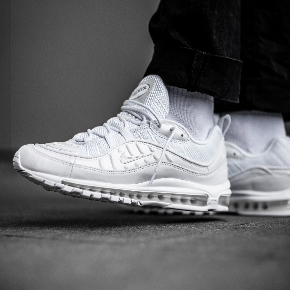 6137e0e34b 2019 的 Crispy clean! The Nike Air Max 98 in triple white is ...