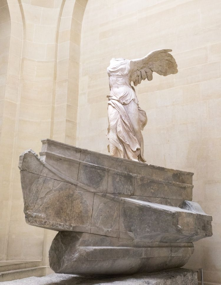 This Armless Sculpture Is One Of The Louvre S Most Treasured Masterpieces Famous Sculptures Ancient Greek Sculpture Sculpture Art