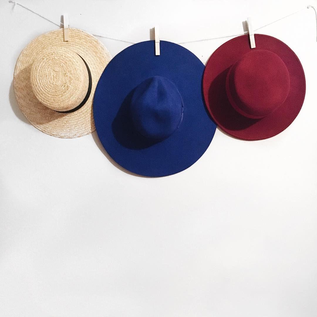 hat display Instagram: @stilettobeats