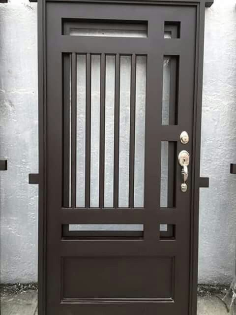 Pin de cremildo en portas doors door design y iron gates for Puertas de metal para exterior