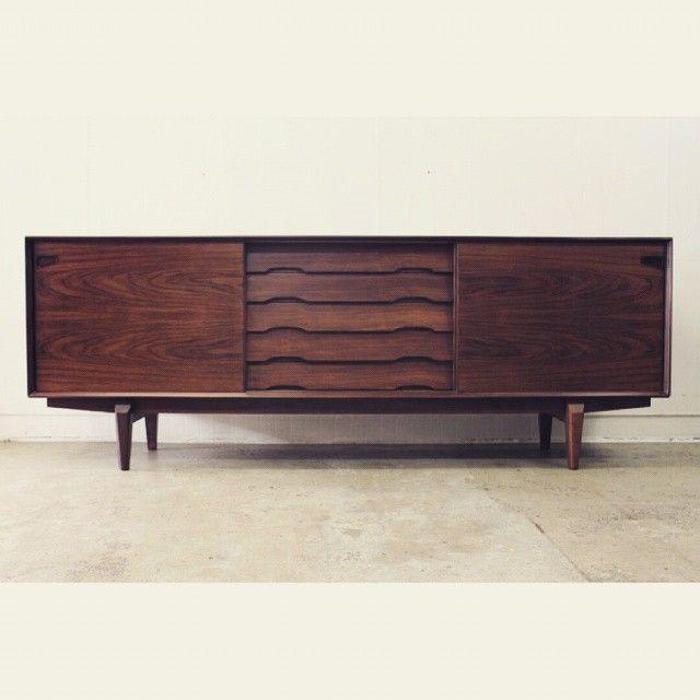 20cmodern Beautiful Example Of A Mid Century Sideboard Brazilianrosewood Rosewood Palisander Sk Mid Century Sideboard Danish Sideboard Vintage Furniture