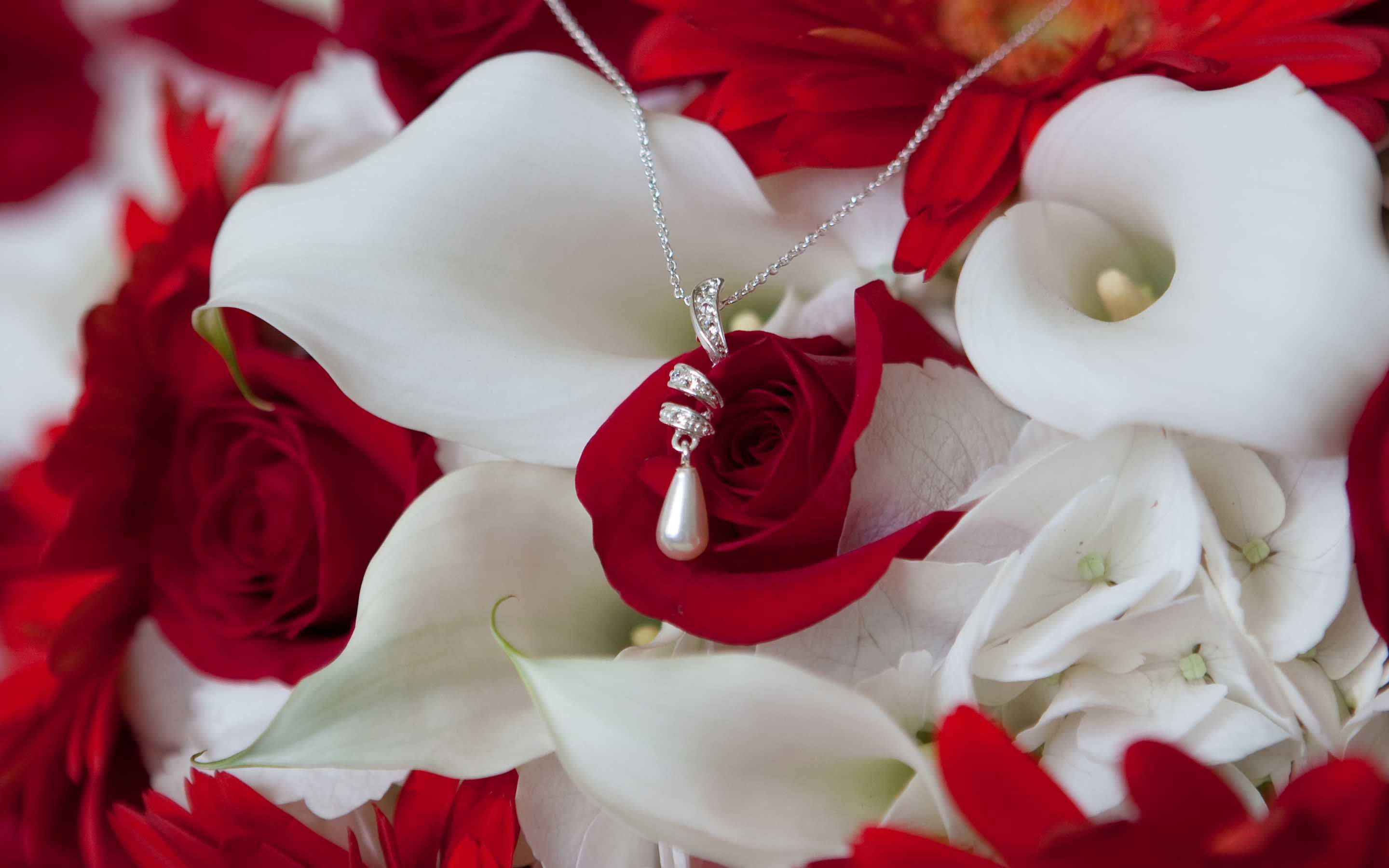 red roses and cala lillies What I love Pinterest