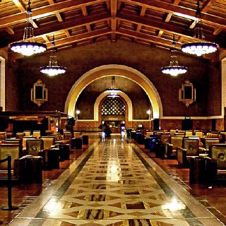 Union Station La Motel6ubl I Would Live To Catch A Train From This Classic Train Station To Anywhe Union Station Los Angeles Architecture Places In California