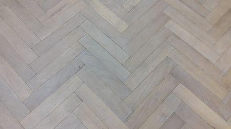 Visgraat Vloer Grijs : Verouderde visgraat eiken vloer in een wit grijze kleur fairwood