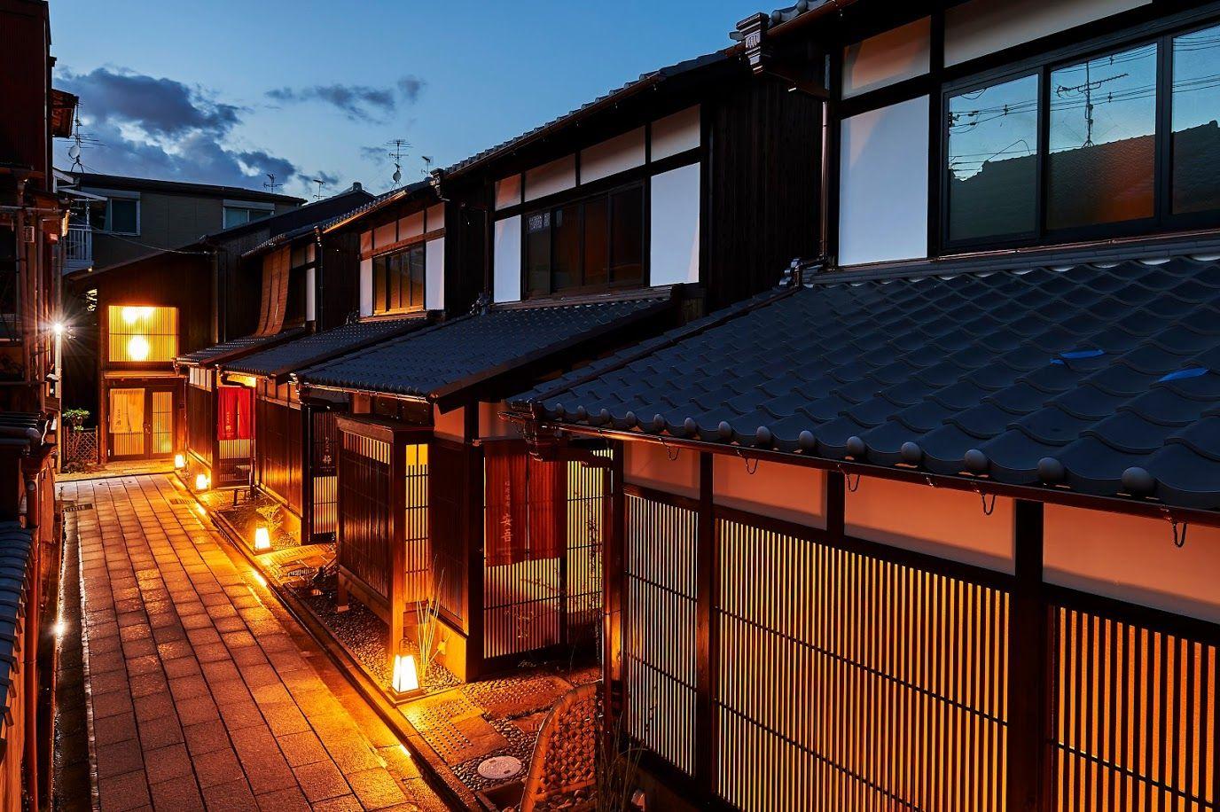 京町家をリノベーションした和のヴィンテージ感が漂うノスタルジックな空間の宿泊施設 稲荷凰庵 日本家屋 建築デザイン 都市デザイン