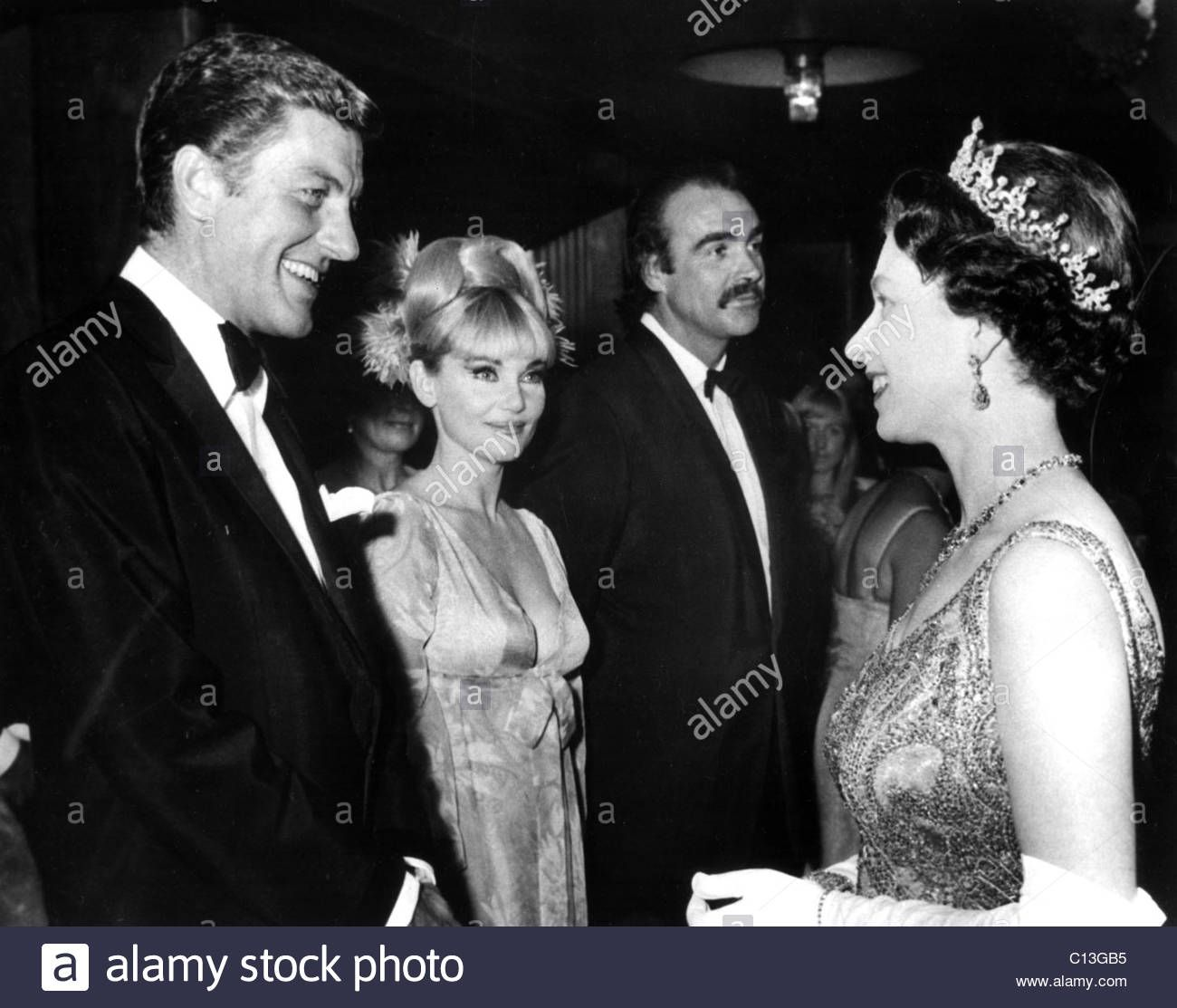 Queen Elizabeth Ii Meeting Dick Van Dyke Diane Cilento And Sean