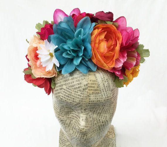 Frida Kahlo Tocado De Flores Dia De Los Muertos Flores Corona Etsy Diy Floral Headpiece Flower Headpiece Flower Crown