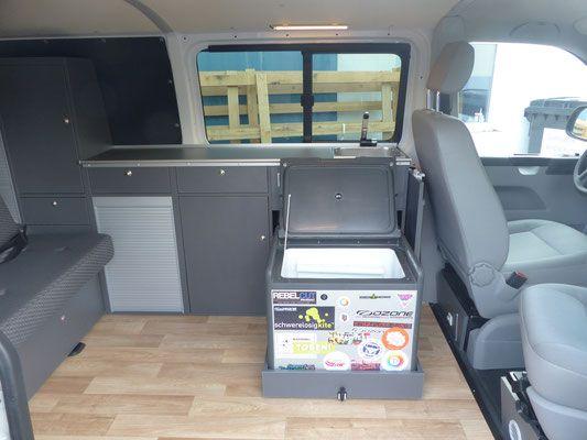 Mini Kühlschrank Vw Bus : Kompakte campervans campingbusse in bulli größe promobil