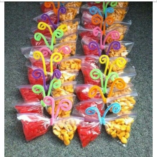 Classroom Snack Ideas Kindergarten : Butterfly snack bags using only and pipe