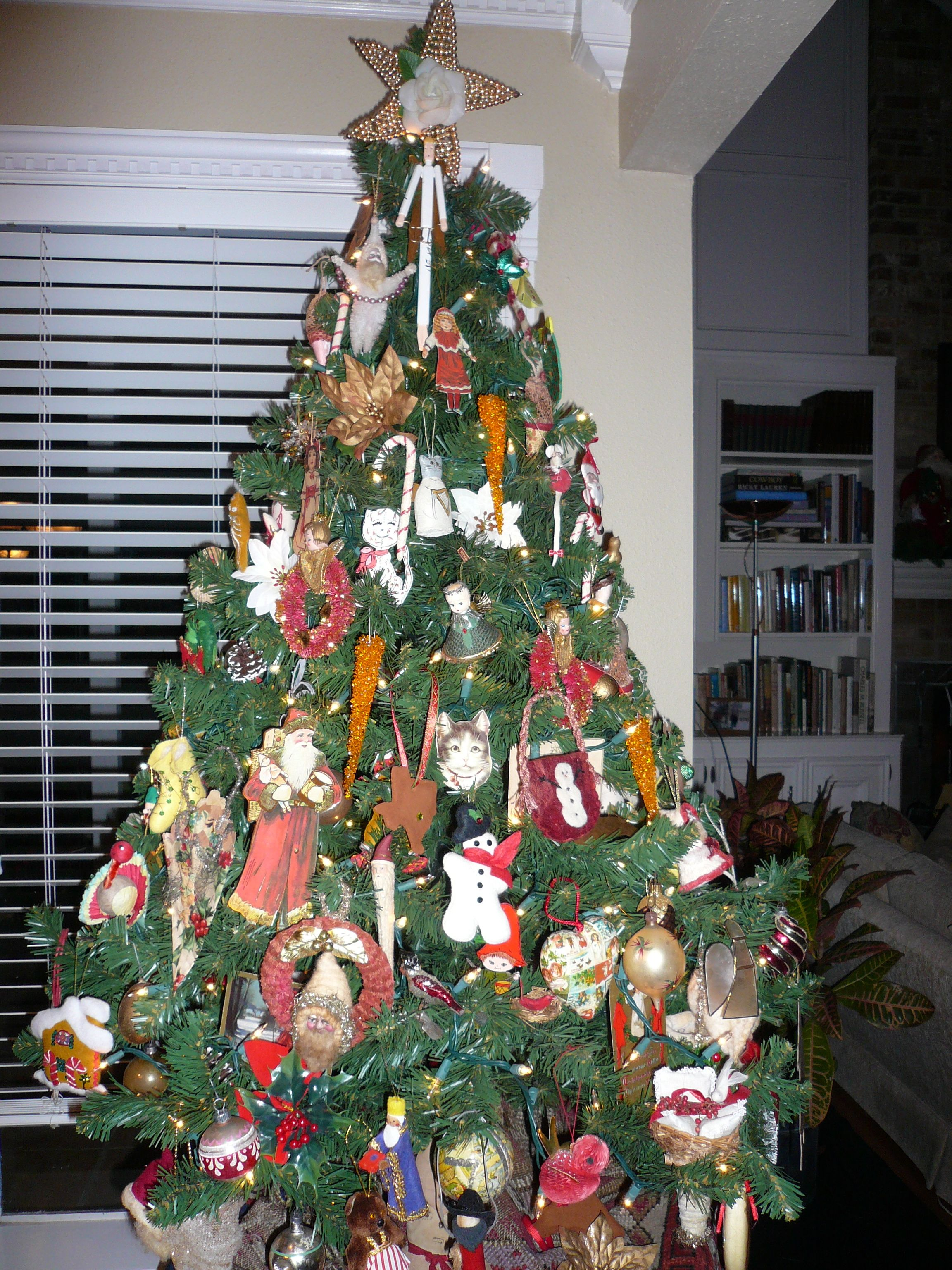 Permalink to Inspirational Christmas Tree Decorated with Vintage ornaments