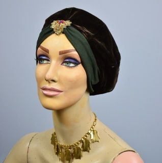 Vintage 1940s Velvet Turban ~ Metallic Gold Bullion trim www.labellevintage.net