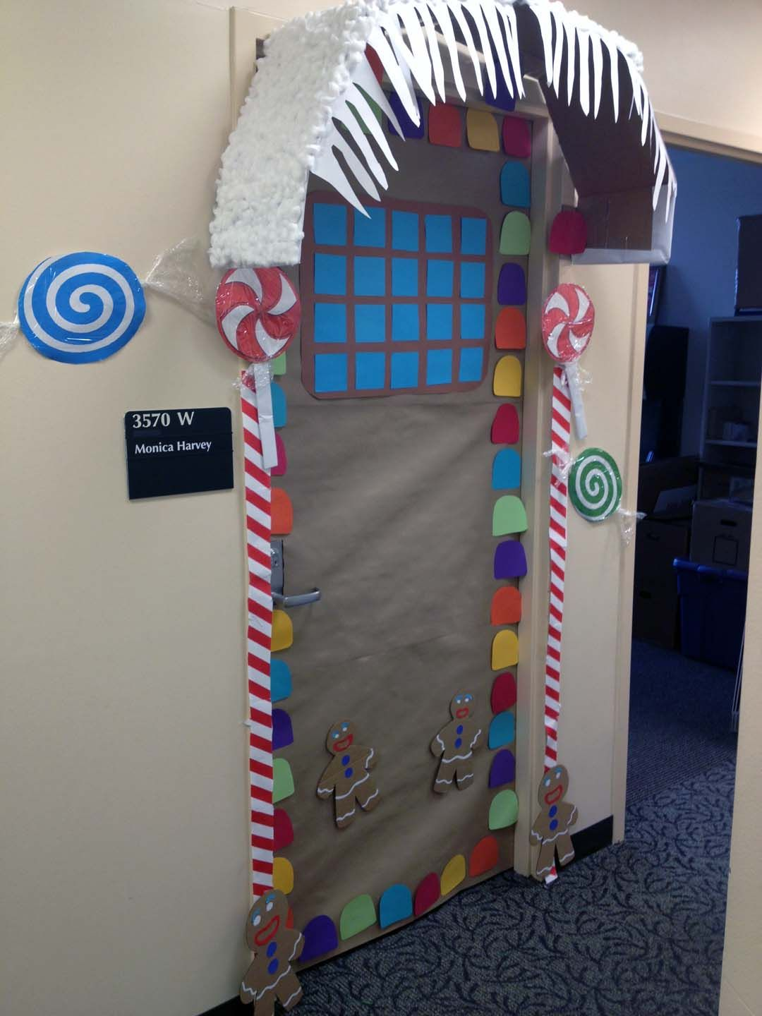 Awesome ginger bread door I know right Pinterest Ginger bread - Halloween Office Door Decorating Contest Ideas