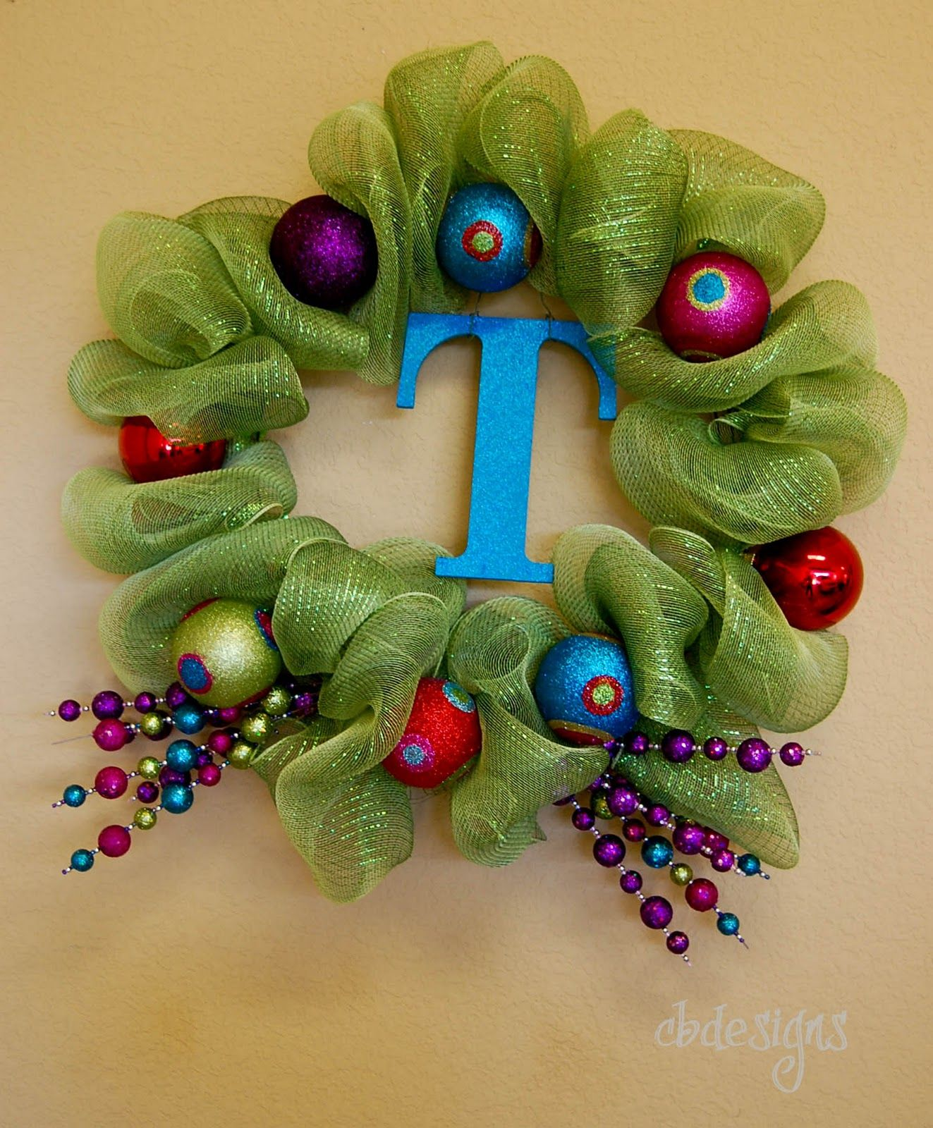 cbdesigns Christmas Door Hanging and a Funky Wreath