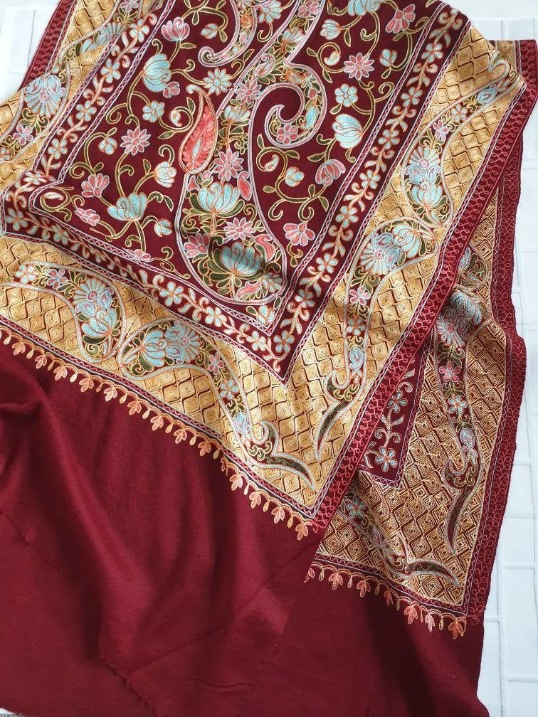 Maroon Kashmiri Shawls Wool Pashmina Indian Shawls Embroidered Kashmiri Pashmina Shawls Summer Scarf Gifts For Her Shawls And Wraps Uk In 2020 Kashmiri Shawls Wool Pashmina Pashmina Shawl