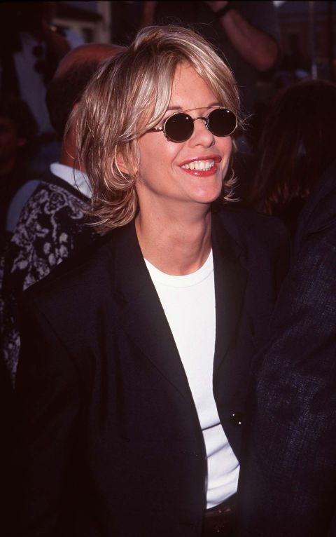 The 90s Fashion Trends We Can T Believe Are Back Meg Ryan 90s Fashion Trending Celebrity Bobs Hairstyles