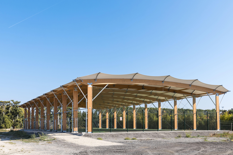 CONSTRUCTION PREAU SPORTIF ARCHITECTURE TEXTILE