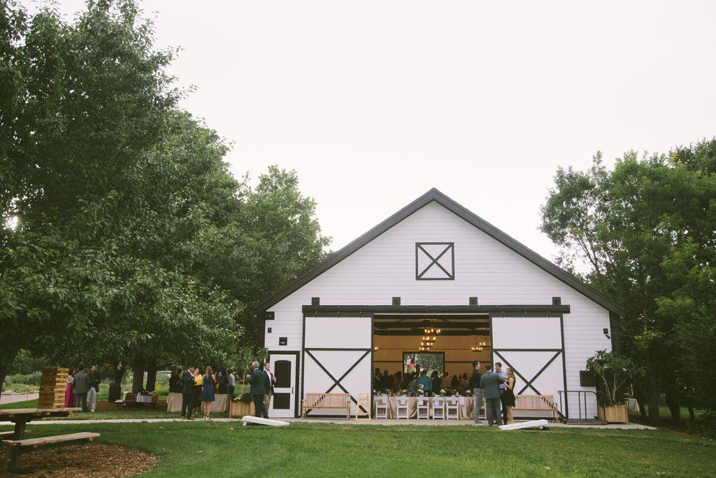 0d52846608c9eef60b946cfb455518c6 - Denver Botanic Gardens Chatfield Farms Wedding