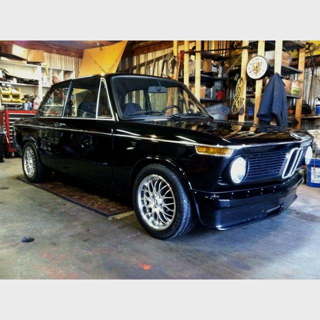 76 Bmw 2002 Modified: Black BMW 2002 With Modern Rims