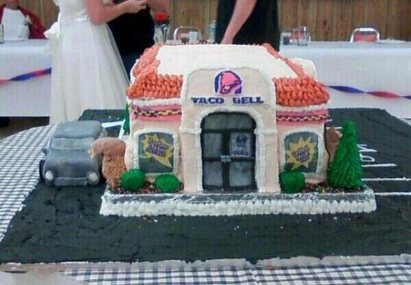 Twitter Itsfoodporn Taco Bell Wedding Cake Taco Bell Wedding Taco Bell Wedding Cakes
