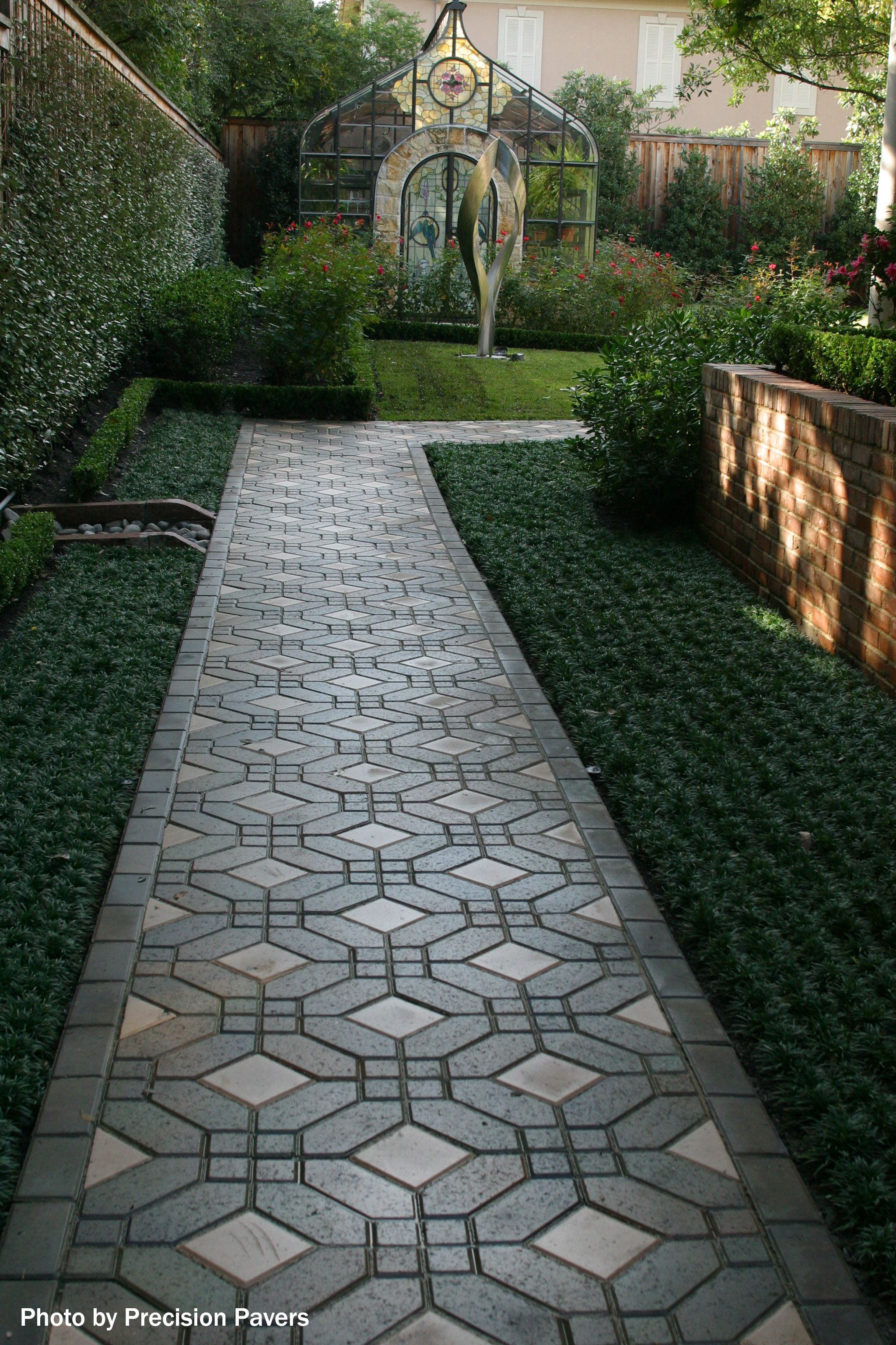 5 Small Yard Landscaping Ideas