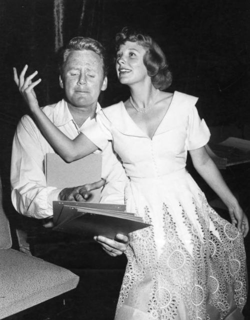 Van Johnson find a grave