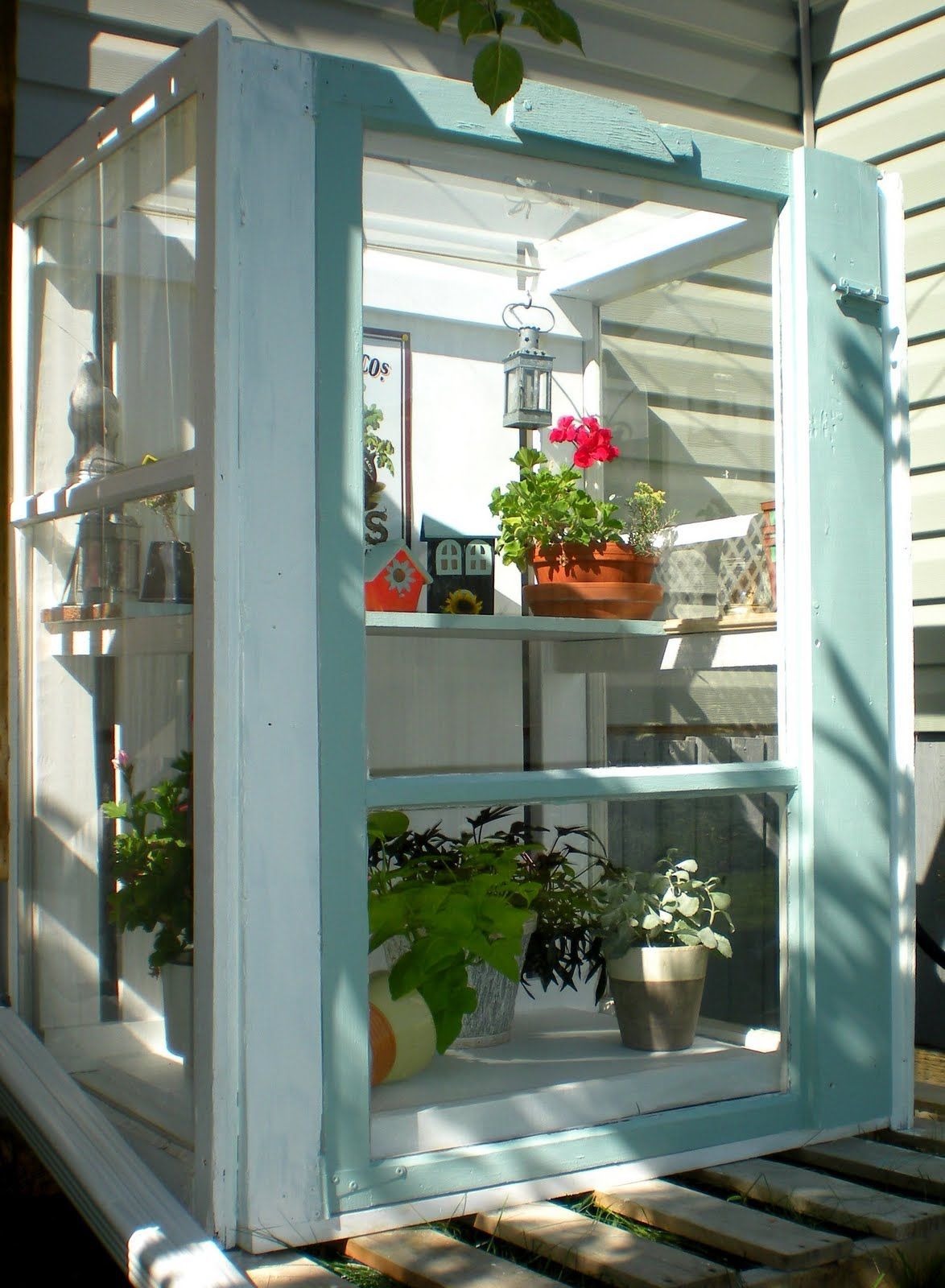 See what you can do with three little ol' windows?? | Diy ...